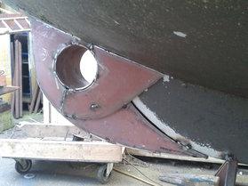 Bugstrahlruder in einen Motorkreuzer eingebaut