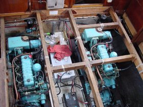 Installation of two Mitsubishi S4L2 engines